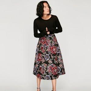 NWT Zara Women Jacquard Midi Floral Skirt